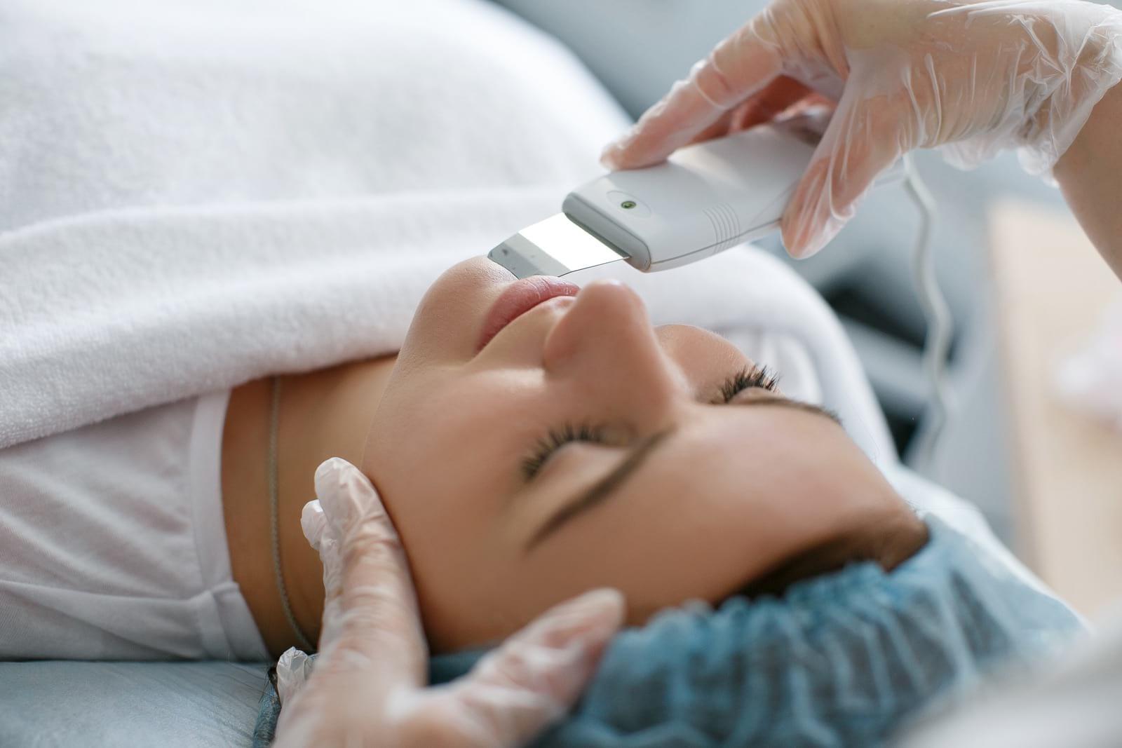 Чистка лица + лазерная биоревитализация Vitalaser